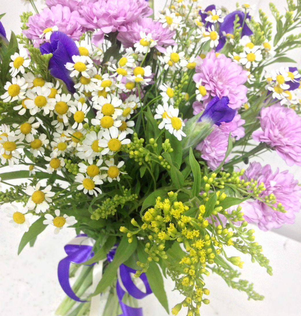 Открытка с полевыми цветами на день рождения 322